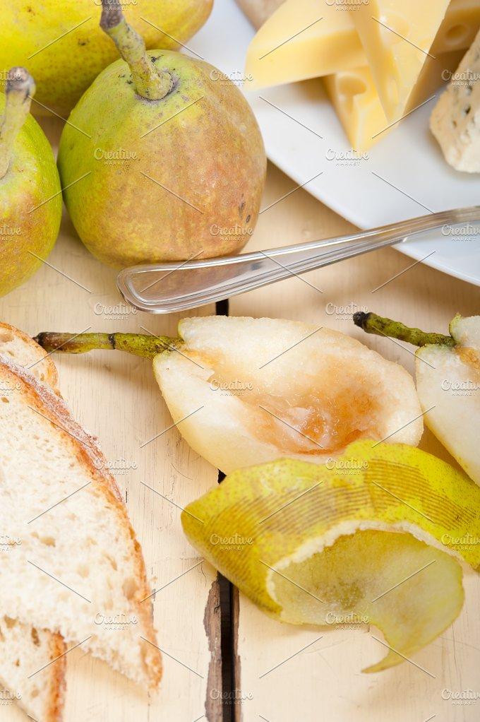 cheese and fresh pears 005.jpg - Food & Drink