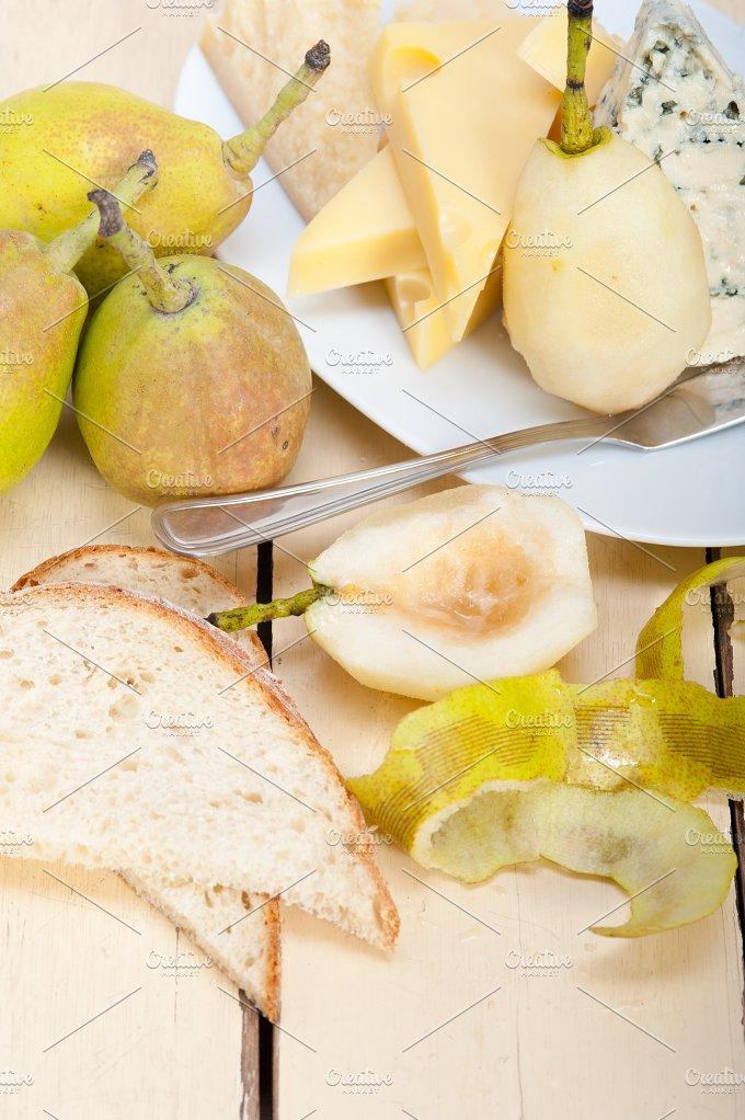 cheese and fresh pears 016.jpg - Food & Drink