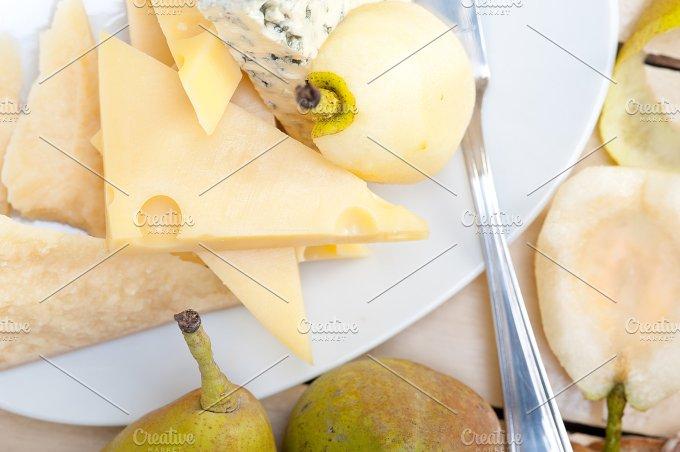 cheese and fresh pears 020.jpg - Food & Drink