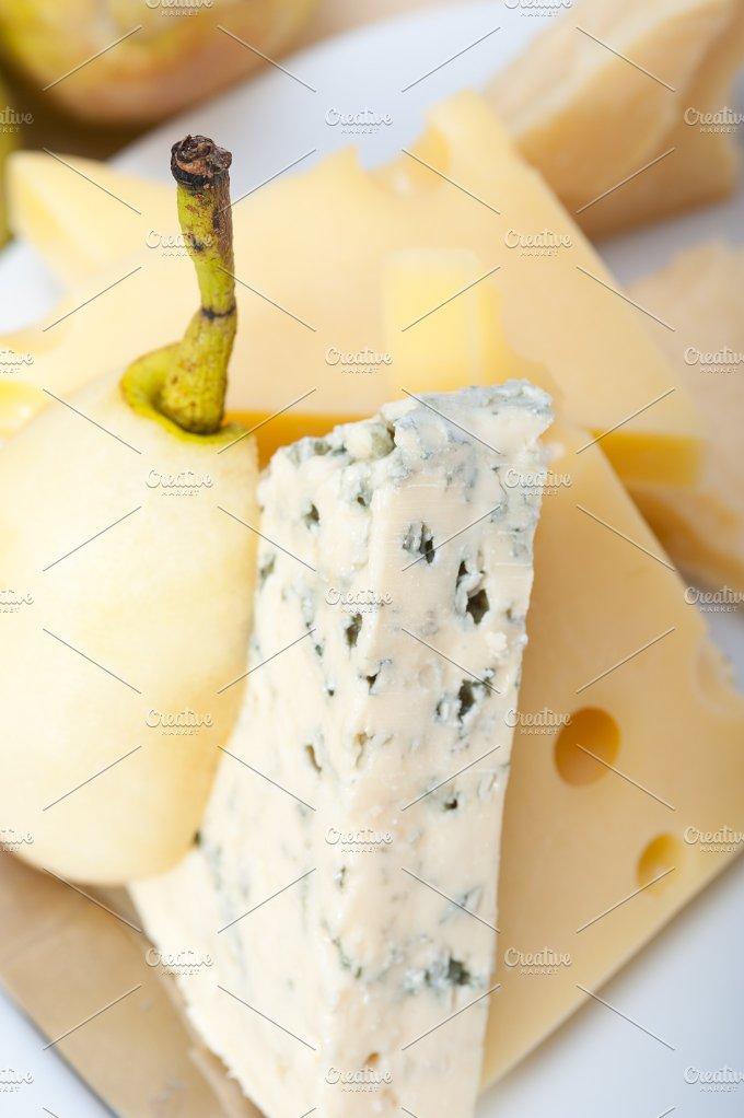 cheese and fresh pears 025.jpg - Food & Drink