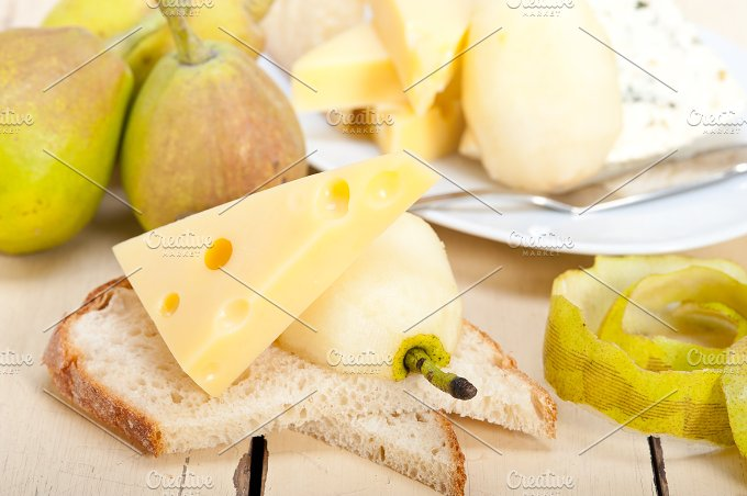 cheese and fresh pears 032.jpg - Food & Drink