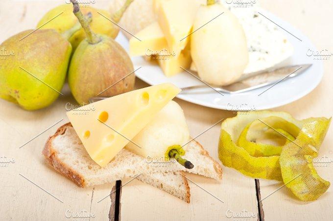 cheese and fresh pears 033.jpg - Food & Drink