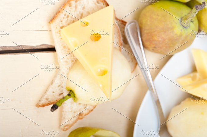 cheese and fresh pears 041.jpg - Food & Drink