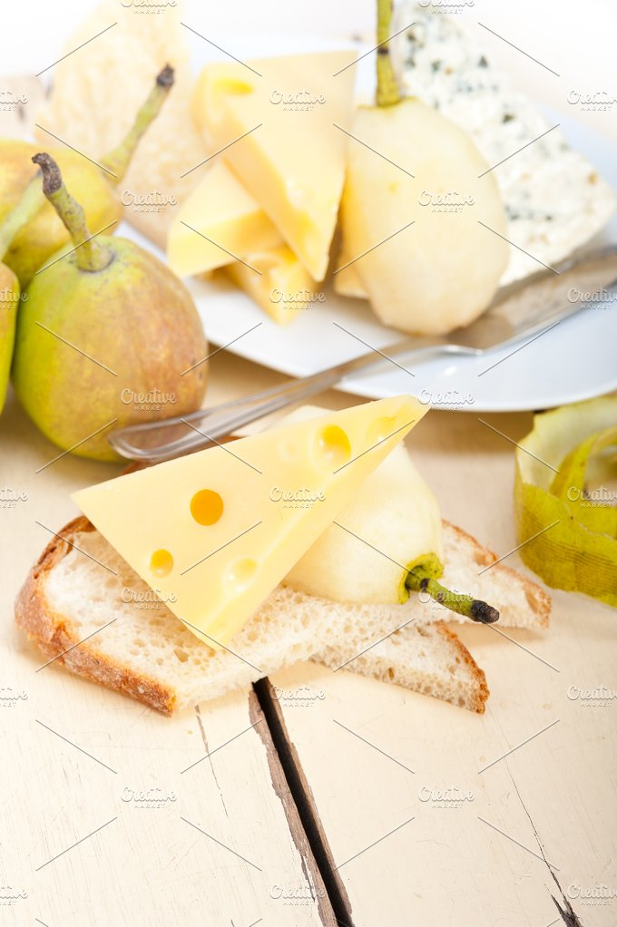 cheese and fresh pears 042.jpg - Food & Drink
