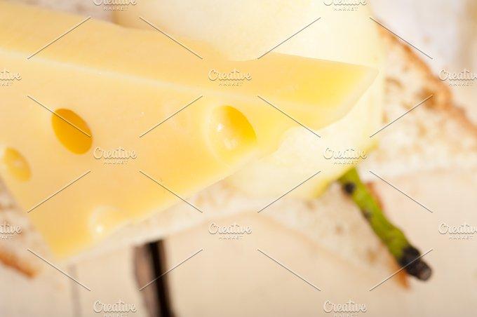 cheese and fresh pears 045.jpg - Food & Drink