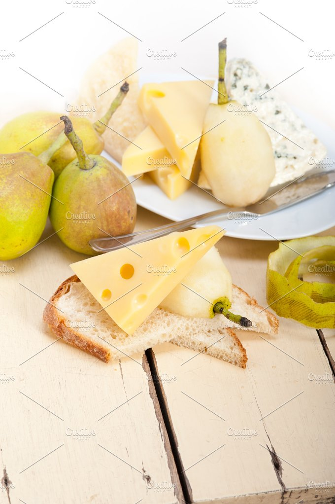 cheese and fresh pears 044.jpg - Food & Drink