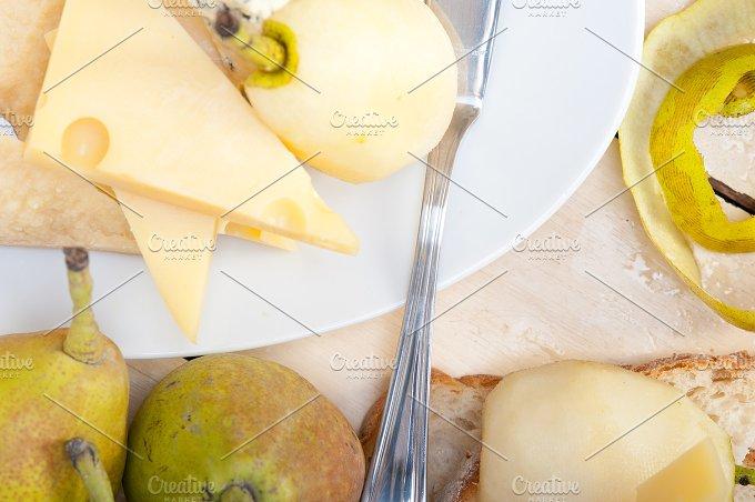 cheese and fresh pears 051.jpg - Food & Drink