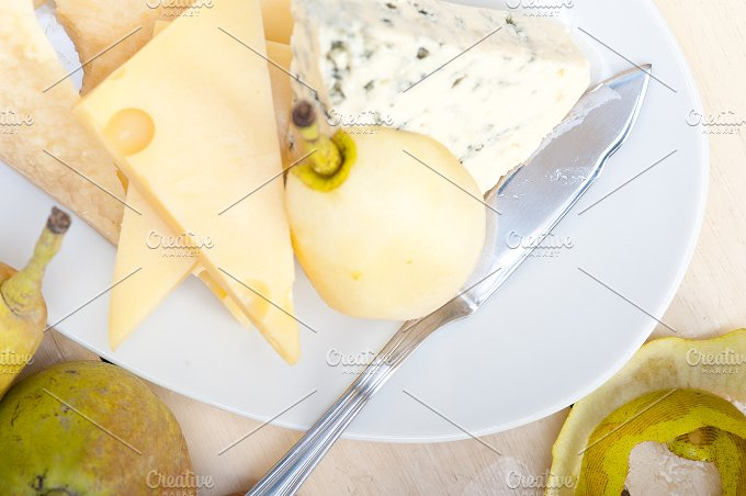 cheese and fresh pears 050.jpg - Food & Drink