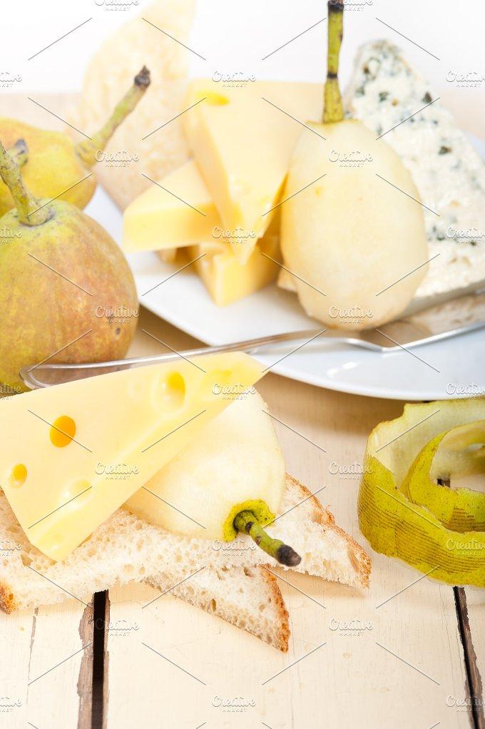 cheese and fresh pears 054.jpg - Food & Drink