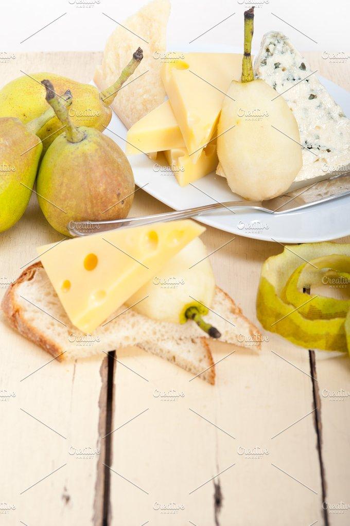 cheese and fresh pears 055.jpg - Food & Drink