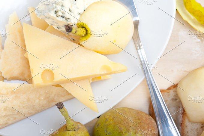 cheese and fresh pears 052.jpg - Food & Drink