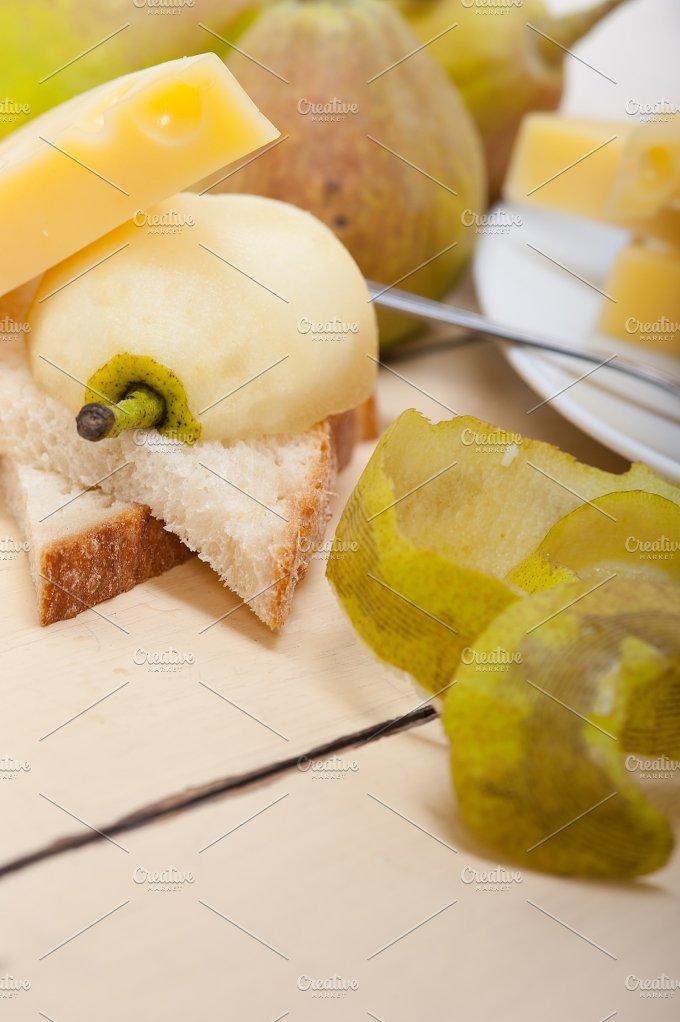 cheese and fresh pears 060.jpg - Food & Drink