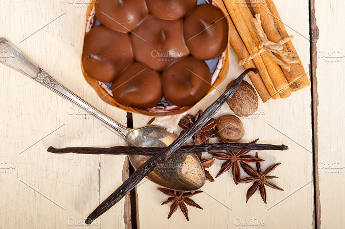 chocolate and spice cream cake dessert 009.jpg - Food & Drink
