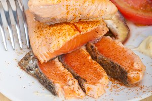 grilled salmon filet with vegetables 001.jpg