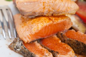 grilled salmon filet with vegetables 003.jpg