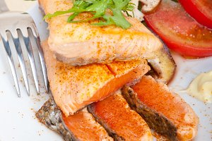 grilled salmon filet with vegetables 005.jpg