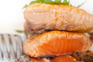 grilled salmon filet with vegetables 002.jpg