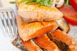 grilled salmon filet with vegetables 004.jpg