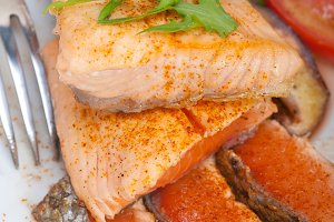 grilled salmon filet with vegetables 007.jpg