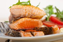 grilled salmon filet with vegetables 011.jpg