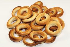 doughnut-shaped bread roll
