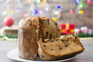 Panettone with chocolate