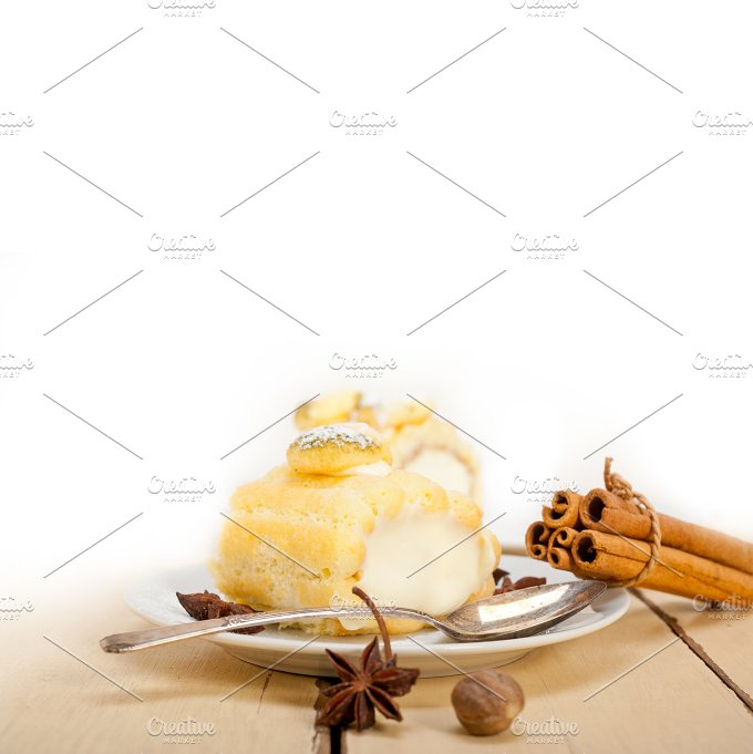 fresh cream roll cake and spices 004.jpg - Food & Drink