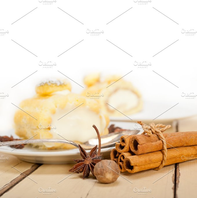 fresh cream roll cake and spices 003.jpg - Food & Drink