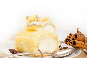 fresh cream roll cake and spices 005.jpg