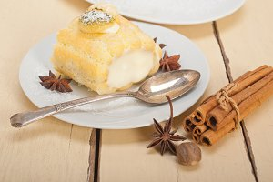 fresh cream roll cake and spices 001.jpg
