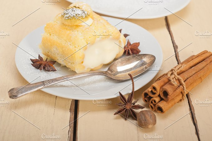 fresh cream roll cake and spices 001.jpg - Food & Drink