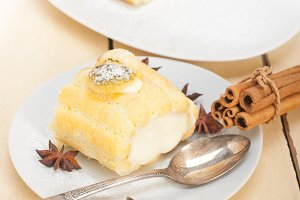 fresh cream roll cake and spices 006.jpg