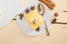 fresh cream roll cake and spices 012.jpg