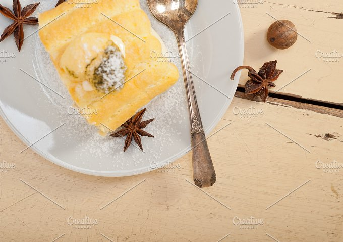 fresh cream roll cake and spices 010.jpg - Food & Drink
