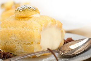fresh cream roll cake and spices 015.jpg