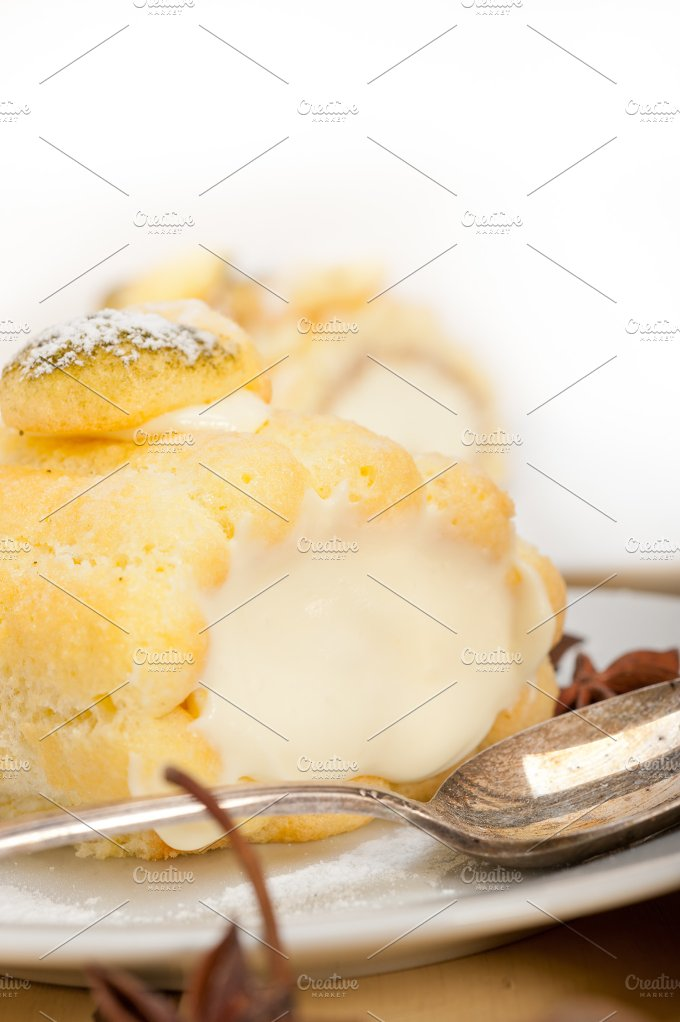 fresh cream roll cake and spices 016.jpg - Food & Drink