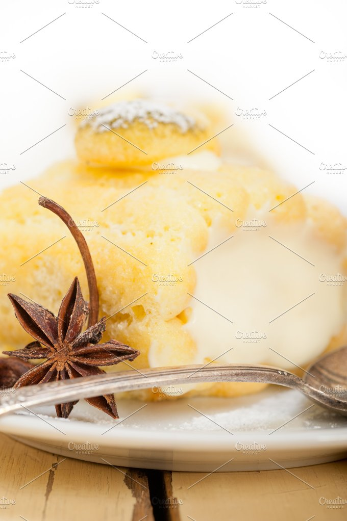 fresh cream roll cake and spices 020.jpg - Food & Drink