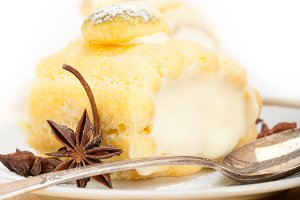 fresh cream roll cake and spices 021.jpg