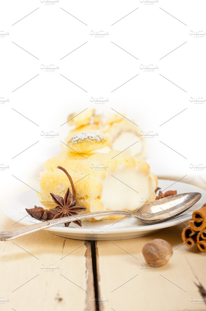 fresh cream roll cake and spices 022.jpg - Food & Drink