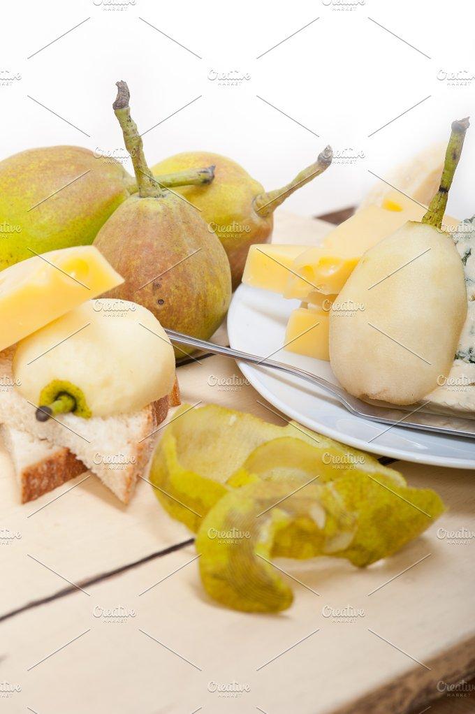 fresh pears and cheese 001.jpg - Food & Drink