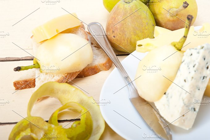 fresh pears and cheese 003.jpg - Food & Drink