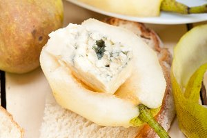 fresh pears and cheese 004.jpg