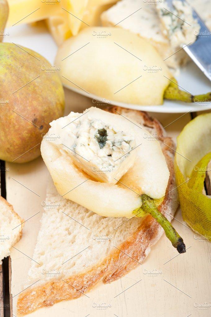 fresh pears and cheese 004.jpg - Food & Drink