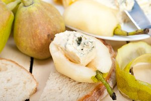 fresh pears and cheese 008.jpg