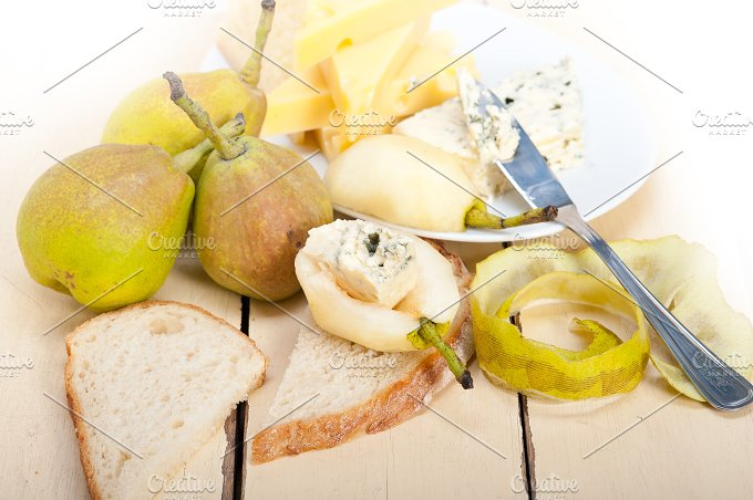fresh pears and cheese 010.jpg - Food & Drink