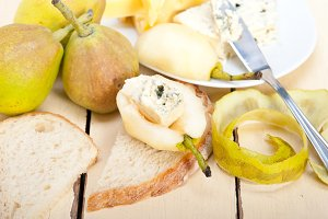 fresh pears and cheese 009.jpg