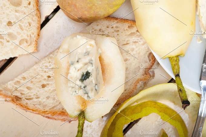 fresh pears and cheese 014.jpg - Food & Drink
