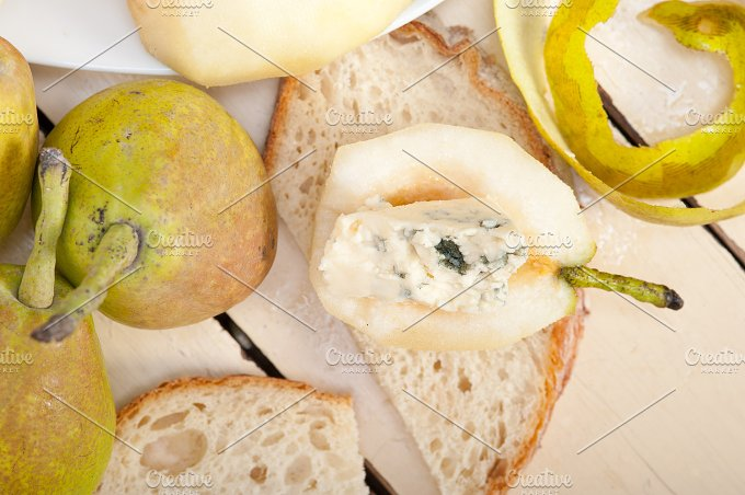 fresh pears and cheese 016.jpg - Food & Drink