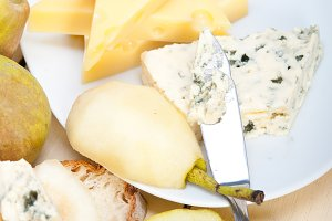 fresh pears and cheese 025.jpg