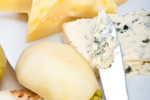 fresh pears and cheese 024.jpg